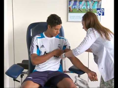 Para pemain Real Madrid melakukan cek medis