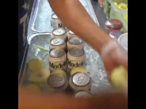 Charola de cerveza con mariscos