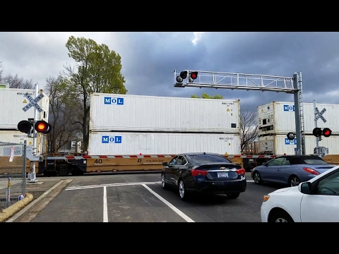 Q Street Railroad Crossing,  Rerouted UP 3856 Intermodal Northbound, Sacramento CA