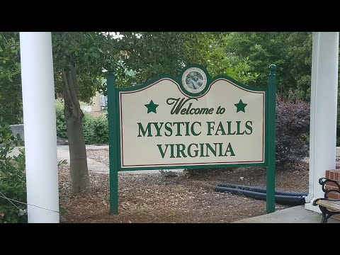 The Salvatore brothers house The Vampire Diaries Mystic Falls 2017 Vlog
