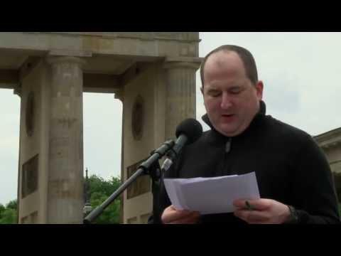 Rede für Bradley Manning von Andy Müller-Maguhn - 01.06.2013 Brandenburger Tor