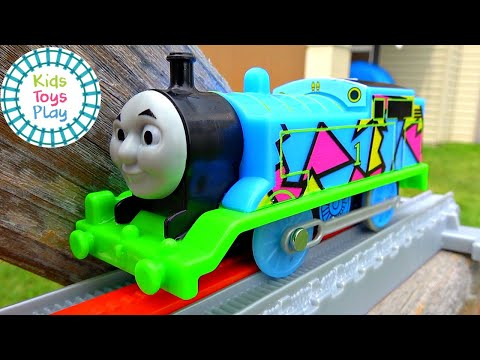 Thomas and Friends World's Strongest Engine Toy Train Races