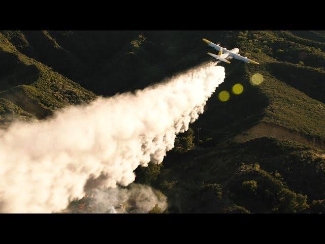 【911】见过用喷水飞机救火的吗?开眼了,实在太壮观!《紧急呼救S2-14》