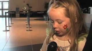 DISNEY PRINCESSES: Little Girls Love Disney Ladies !