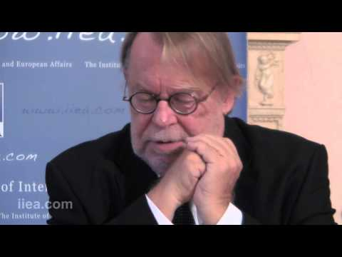 Daniel Vernet - Economic, political and ideological crises: The metamorphosis of French Socialism