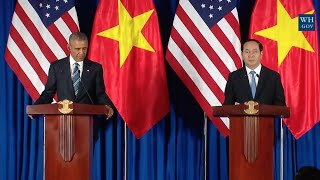 Obama In Vietnam With President Quang- Full News Conference