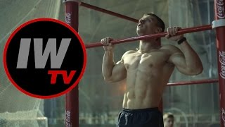"""Выход силой """"на две"""" и мировой рекорд! Новое видео от чемпиона по street workоut!"""