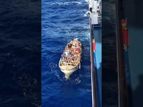 Pitcairn Islanders Arrive at Oceania Marina