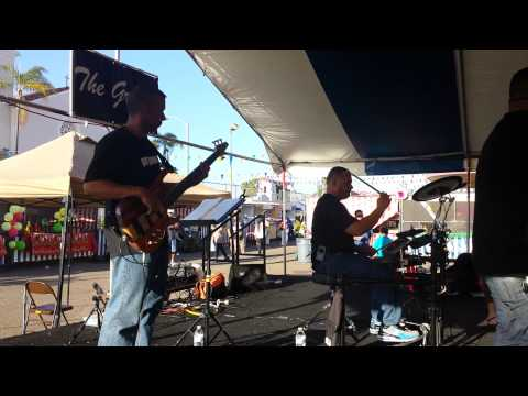 The Grove - Ricky T on Bass & Jerry Marion Drummin