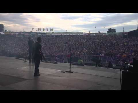 3 Doors Down  Here Without You  DOWNLOAD FESTIVAL 2013 side stage