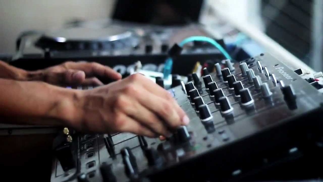 Matthias Seibert live from Jet Apartments Ibiza (2011 ...
