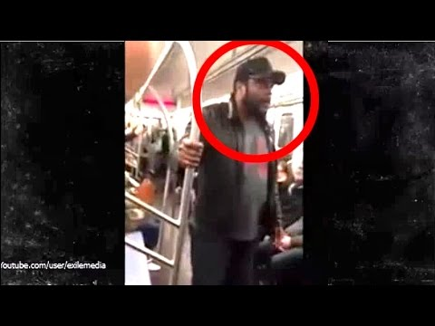 The Walking Dead - Chad Coleman Screams at Subway Passengers on a NYC (May 1, 2015)