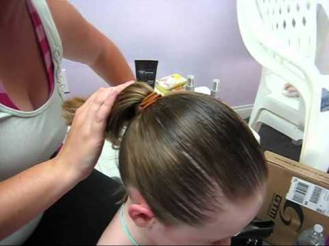How To Make A Bun For Short Hair Youtube