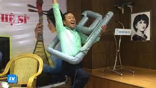 Quái kiệt Mai Đình Tới chơi đàn bằng ống nhựa PVC