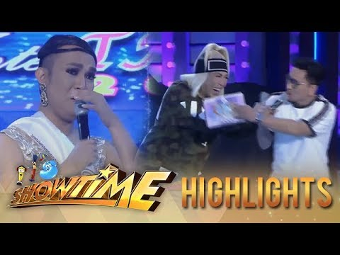 It's Showtime Miss Q & A: Vice gets surprised with Miss Q & A contestant's story about her mother