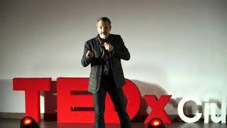 Comiendo insectos para salvar al mundo | Carlos Leal | TEDxCiudadVictoria