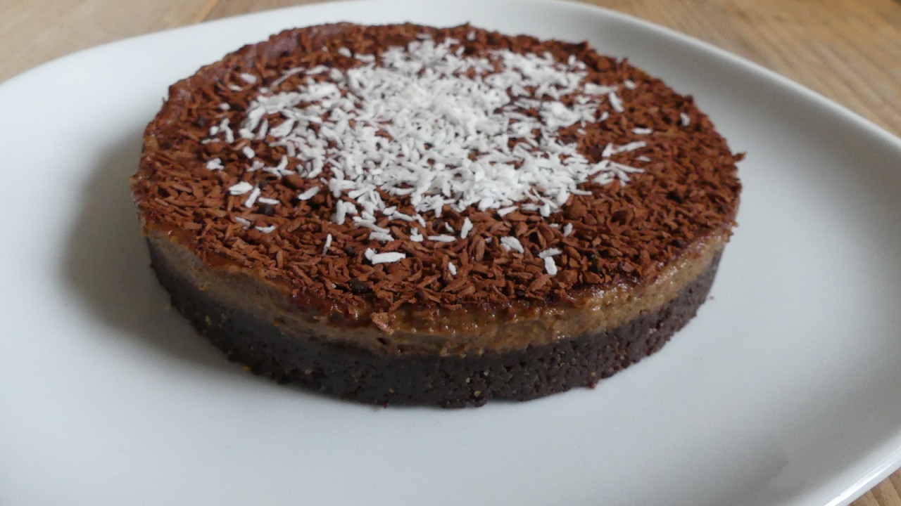 Rezept: rohveganer Nuss - Kakao - Kuchen (100% vegan) - YouTube