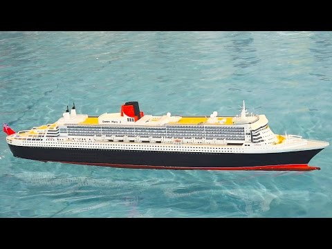 QUEEN MARY 2 RC SHIP SCALE MODEL IN ACTION / Modell Süd Stuttgart 2016