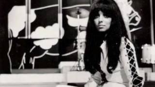 Watch Shocking Blue Love Is In The Air video