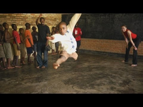 Faces of Africa - Dance from up the street