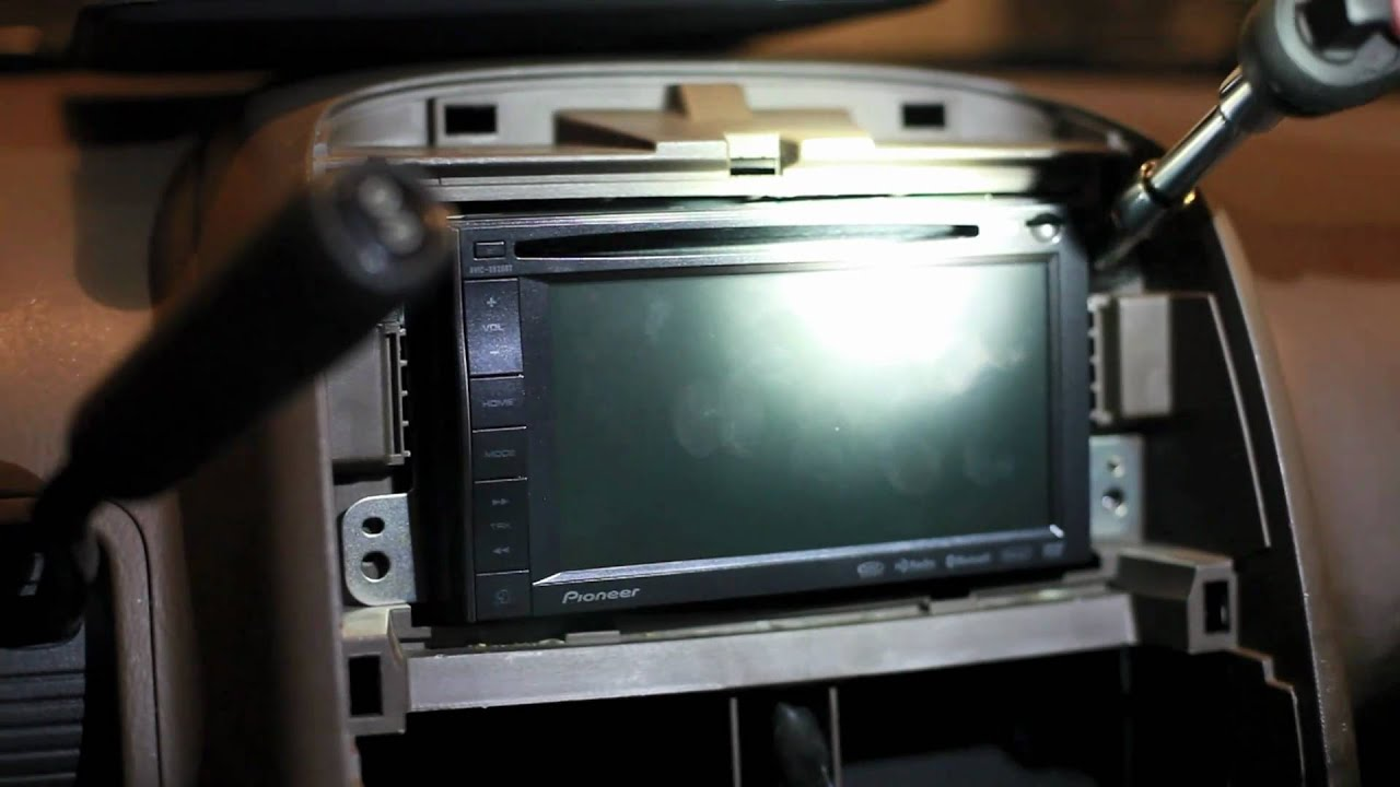 medium resolution of installing pioneer avic x920bt in honda crv 2002