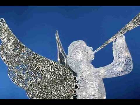 Trumpet Playing Christmas Angels - YouTube