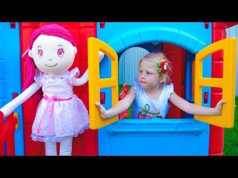 袧邪褋褌褟 懈 袣褍泻谢邪 锌芯褋褌褉芯懈谢懈 薪芯胁褘泄 写械褌褋泻懈泄 写芯屑 Nastya and Doll Pretend Play in Playhouse for children