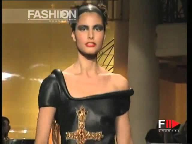 Elsa Benitez at Gianni Versace Atelier Fall 1997 fashion show