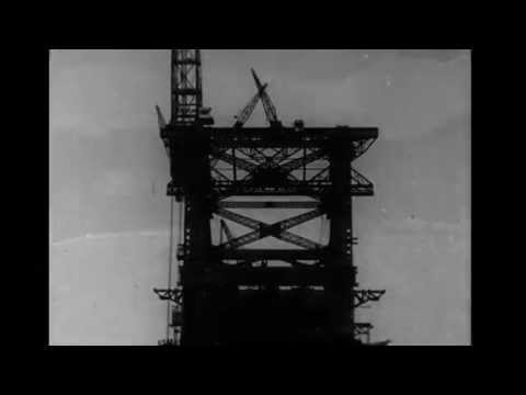 Construction of the Sydney Harbour Bridge (1932)
