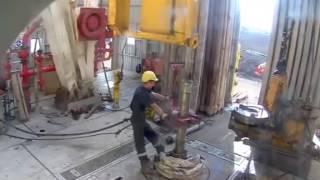 Буровая колонна улетела в скважину. Авария при бурении