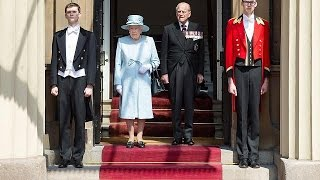 "Britain is in ""sombre national mood"" says Queen Elizabeth"