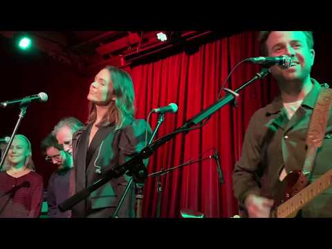 Mandy Moore (w/ Phoebe Bridgers, Jackson Browne & Friends) - With a Little Help from My Friends