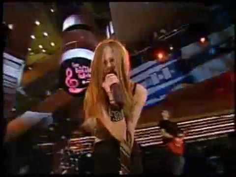 Avril Lavigne Unwanted (music video)