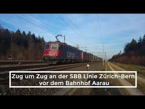 Zug um Zug An der SBB Linie Zürich-Bern vor dem Bahnhof Aarau