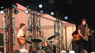 01 Tune - Daniel Hunter Trio + Guillaume Perret - Cropettes 2011