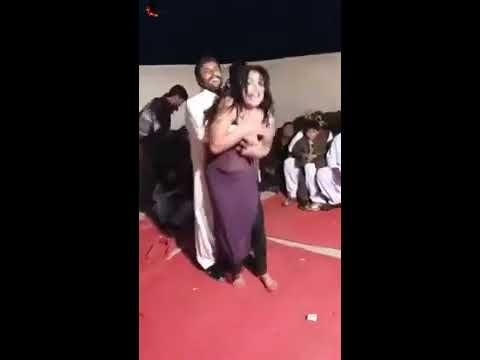 Hot Ganda Pakistani New Mujra Dance 2020 Full Garam