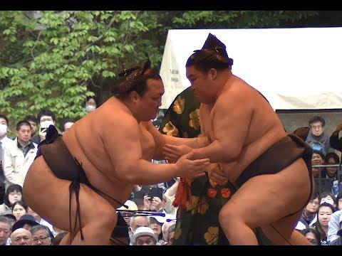 Kisenosato vs Goeido - Yokozuna/Ozeki Match: Outdoor Sumo