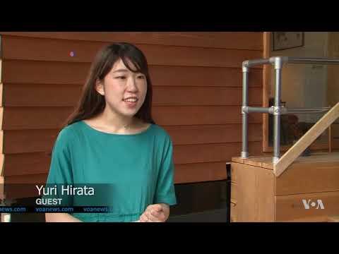 Tiny, Noisy Rooms Draw Customers to Japan Hostel