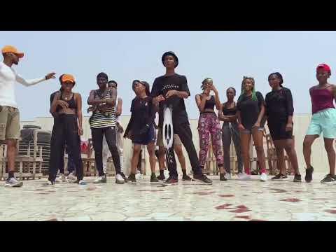 Download Lil frosh ft mayorkun kolere body (Black horse ent)