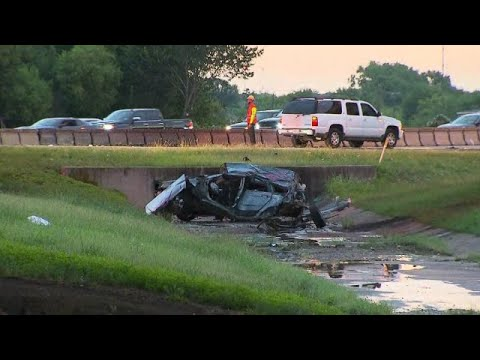 Fatal Crash Shuts Down Interstate-30 In Dallas