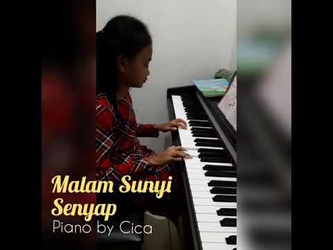 Malam sunyi senyap - piano