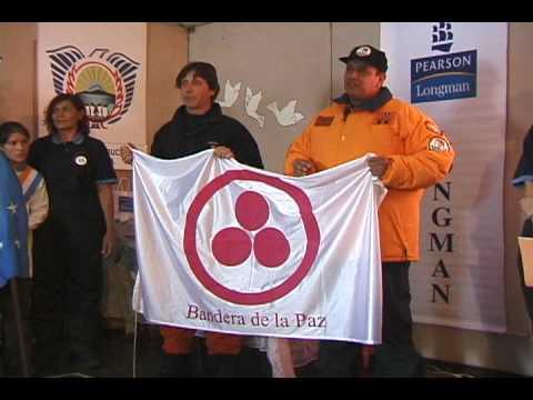 Bandera de la Paz en la Base Esperanza Antartida