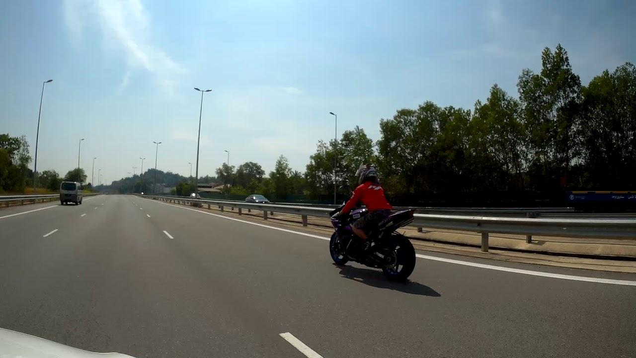 Brunei Bikers Skool Wheelie Lambak Highway Youtube