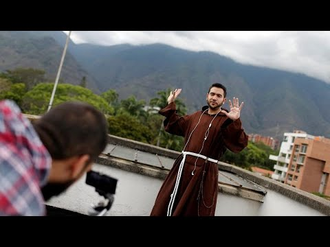 France 24:Venezuela's Instagram priest joins anti-Maduro protesters to 'be with the people