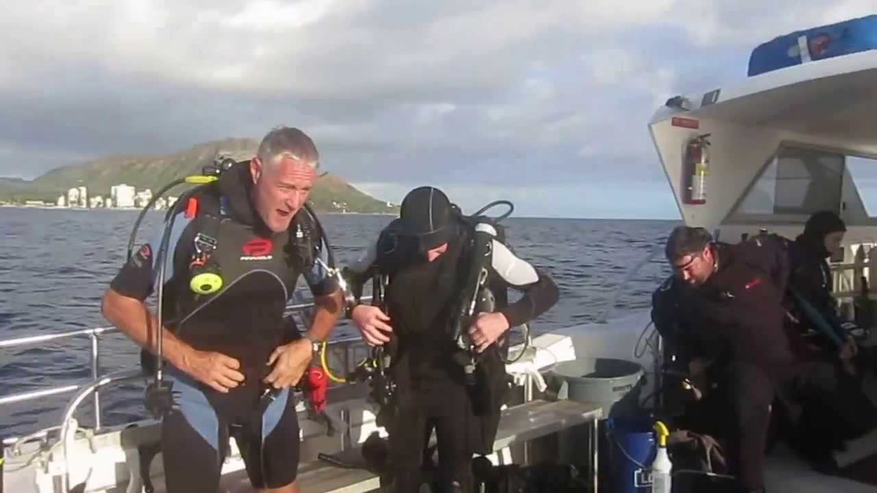 hawaii scuba university december 2013 fun dive at 100ft hole youtube