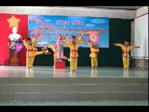 be hoai thuong nhay aerobic _ giong mau lac hong