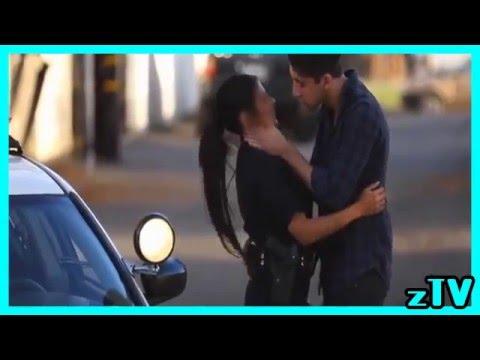 reto beso a policia mujer - besando a linda mujer policia