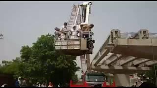 वाराणसी पुल हादसे की जांच को फोरेंसिक टीम.. Forensic team inquiry at Varanasi bridge collapse