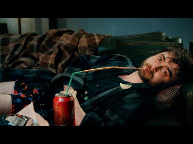 映画予告-ダニエル・ラドクリフ、ネットを荒らしてたらデスゲームに放り込まれる 映画『ガンズ・アキンボ』予告編