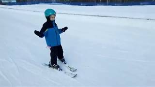 Kids Learning to Ski - SuperTwins TV First Time Skiing, Lake Geneva Wi, Grand Geneva Resort